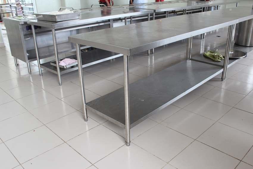 bàn inox 2 tầng chứa thức ăn